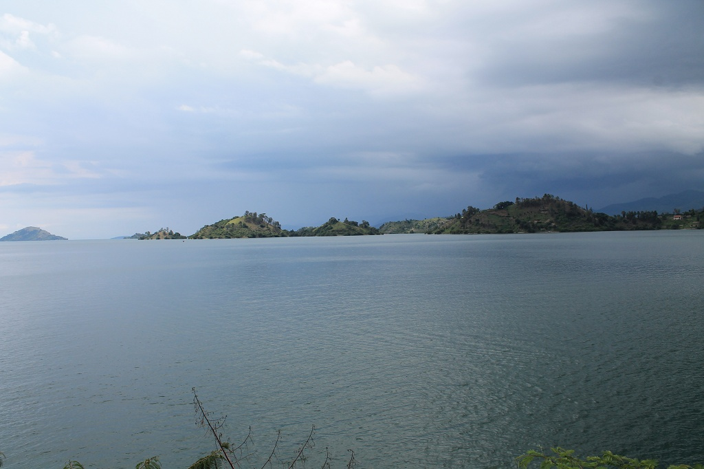 Lac Kivu with some clouds...
